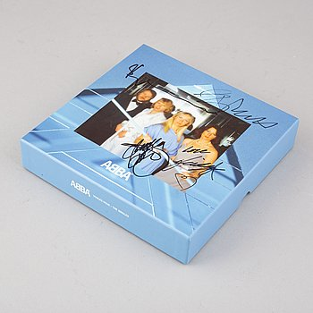 """Abba, """"Voulez-Vous - The Singles"""", box with 7 singles No 4/4500, signed by all members."""