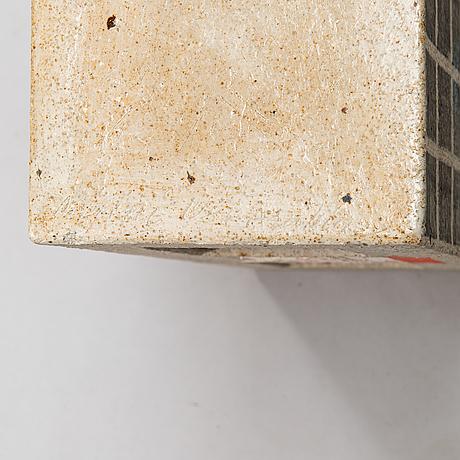 Minni lukander, a sculpture /urn signed minni 1984 arabia.