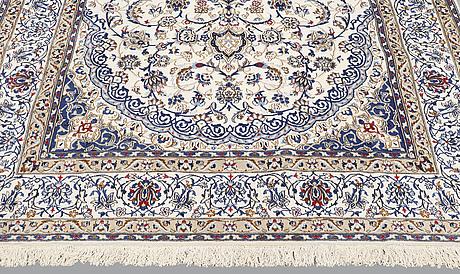 Matta, nain part silk, 312 x 207 cm.