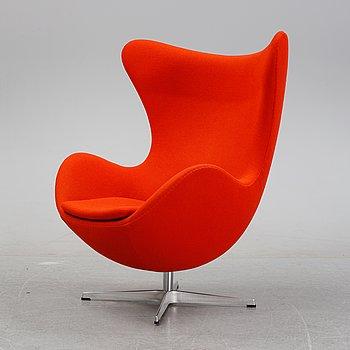 Arne Jacobsen, an 'Egg' easy chair, Fritz Hansen, Denmark, 2006.