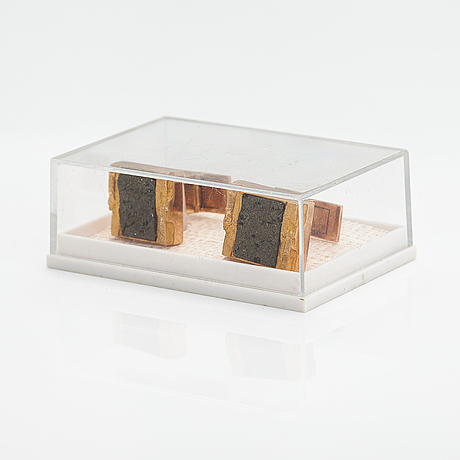 """Björn weckström, """"gold stones"""", a pair of 14k gold cufflinks with copper ore. lapponia 1979."""