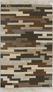 A carpet, flat weave, ca 185,5 x 116 cm, signed GBJ. According to the owner from Gammelstads handväveri.