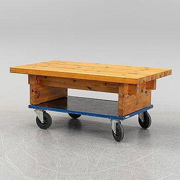 A pinewood coffee table, 1970's.