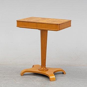 An elm veneered Swedish Modern sewing table, AB Svenska Möbelfabrikerna, Bodafors, 1940's.