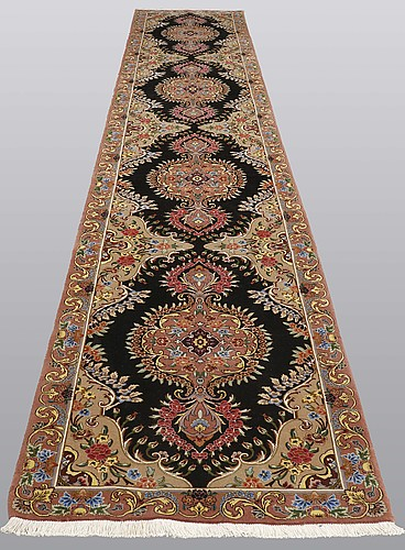 A runner, tabriz, part silk, so called 50 radj, ca 514 x 91 cm.