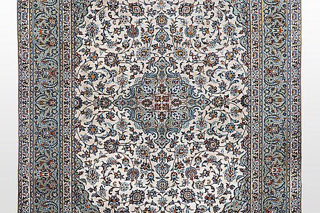 A carpet, kashan 356 x 240 cm.