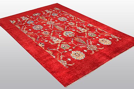 A carpet, oriental, ca 259 x 173 cm.