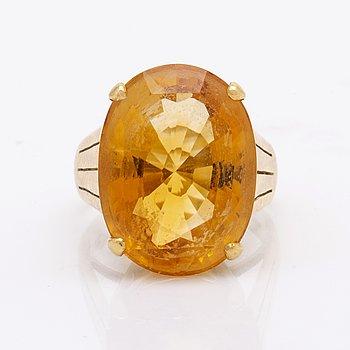 Ring 18K gold 1 citrine approx 20 x 15 mm.