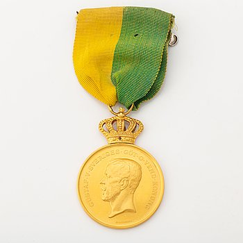 A Swedish gold medal, 18 carat.