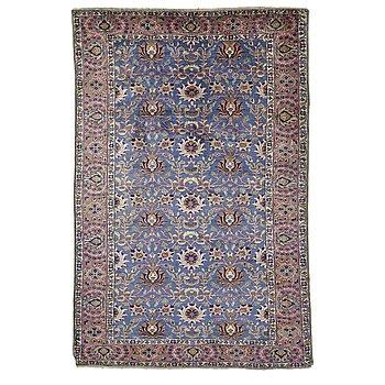 A rug, semi-antique Kayseri, ca 173 x 118 cm.