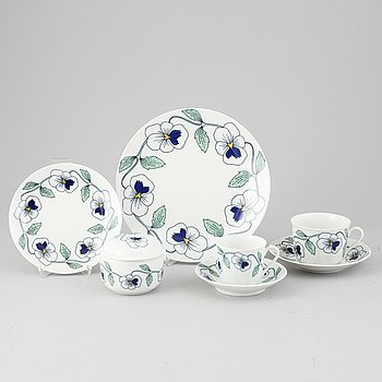 Sylvia Leuchovius, a 45 pieces  dinner- and coffee service.