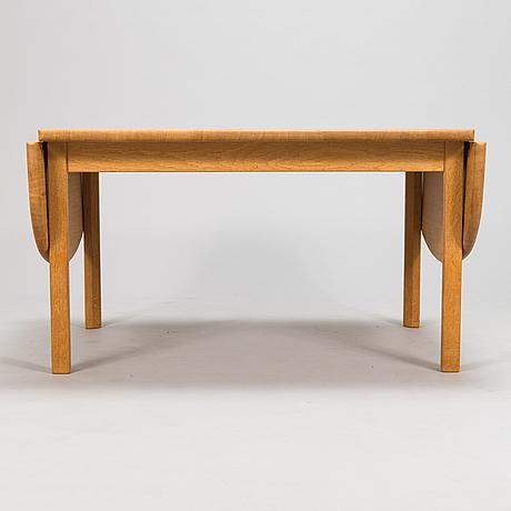 Hans j wegner, a 2004 'ge 82/85 coffee table getama 2004.