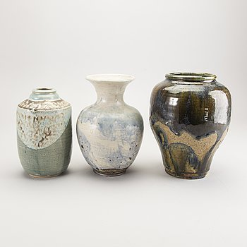 Carl Cunningham-Cole,  a set of three stoneware vases, signed, one dated 80.
