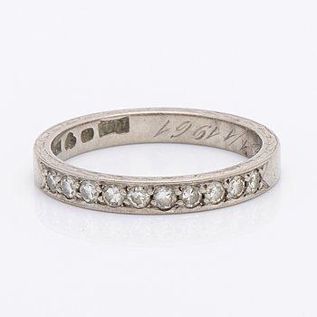Eternityband 18K whitegold, 10 single-cut diamonds approx 0,20 ct in total, size 52,5.