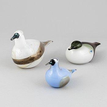 Oiva Toikka, a set of three glass birds from Nuutajärvi, Finland.