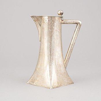 An Art Nouveau silver decanter, presumably AB David Andersen & Co, Stockholm, 1907.