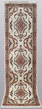 A runner, Tabriz, Part Silk, S.K 50 Radj, 307 x 84 cm.