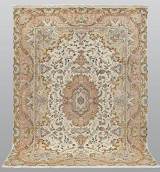 Matta, Täbriz, Part Silk, S.K 50 Radj, ca 298 x 205 cm.