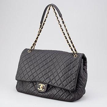 """Chanel, väska, """"Timeless Flap Bag XXL"""", 2017-2018."""