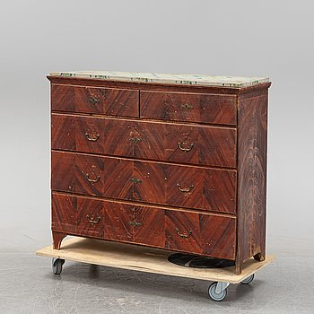 A painted Swedish chest of drawers from Hälsingland, 19th century.