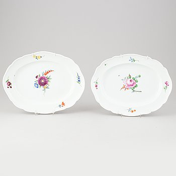 A set of two porcelain serving dishes from the Marcolini period (1774-1814).