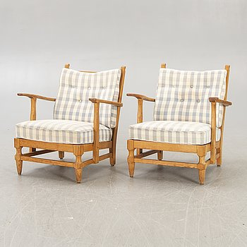 A par of Swedish 1940/50s pine easy chairs, Gunnar Göperts.