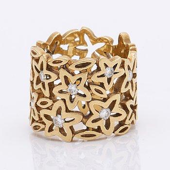 "Lynggaard ring 18K gold briliiant-cut diamonds approx 0,30ct TW VVS, ""Lace Collection"", original box."