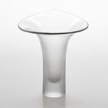 Tapio Wirkkala, A 'Kantarelli' glass vase, signed Tapio Wirkkala Iittala -55.