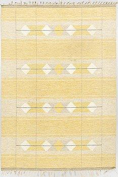 Carpet, flat weave, ca 244 x 170 cm.