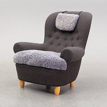 Carl Malmsten, a 'Jättepaddan' lounge chair from AB O.H. Sjögren.