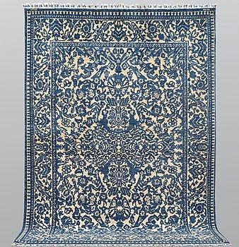 A carpet, Ziegler Design, ca 302 x 202 cm.