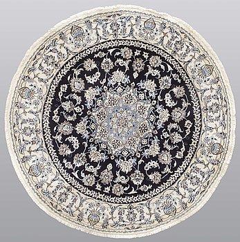 A rug, Nain, part silk, diameter ca 200 cm.