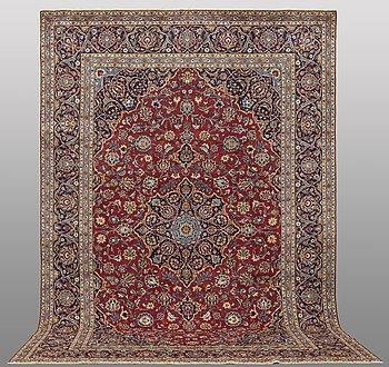 A carpet, Kashan, ca 380 x 364 cm.