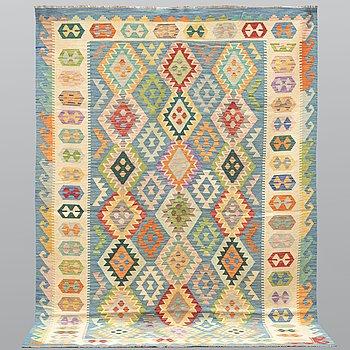 A carpet, kilim, ca 295 x 209 cm.