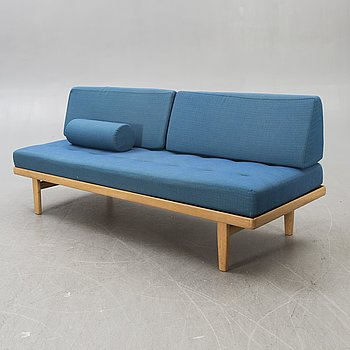 A 1960s oak daybed/sofa.
