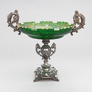 A late 19th-century footed fruitbowl in silver and glass from Germany.