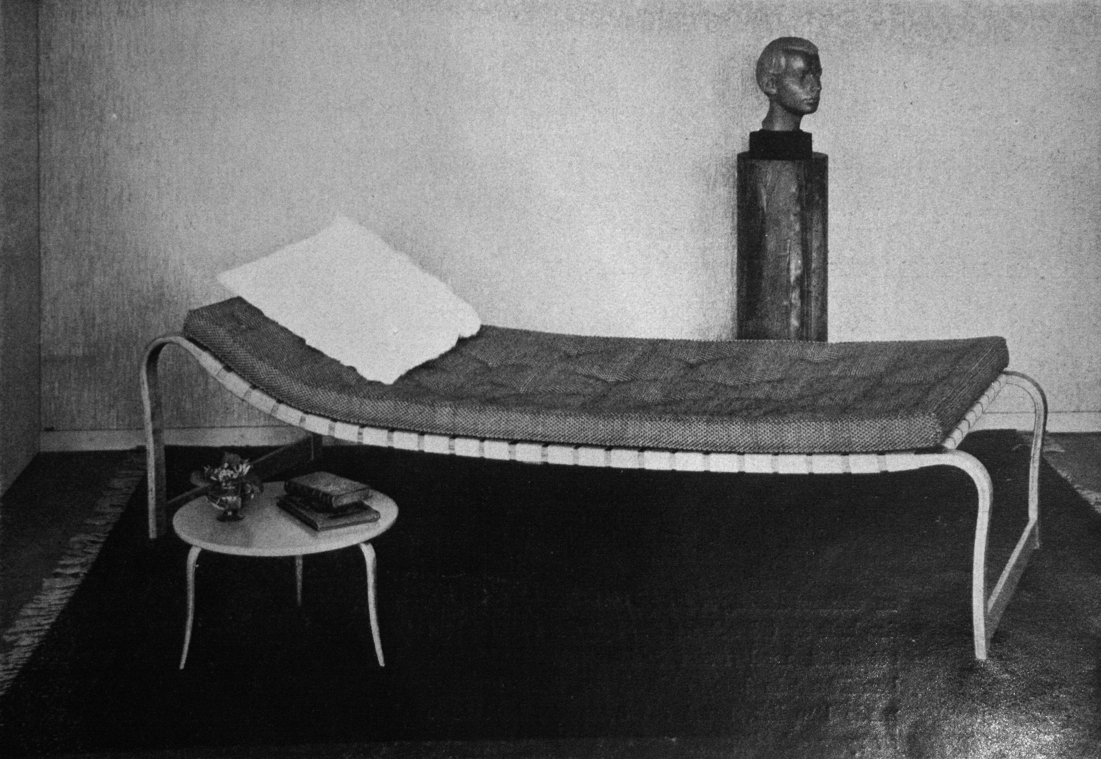 "BRUNO MATHSSON, dagbädd""Paris"", Firma Karl Mathsson, Värnamo, sannolikt 1940 tal Bukowskis"
