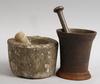 Mortlar, 2 st. järn respektive kalksten.