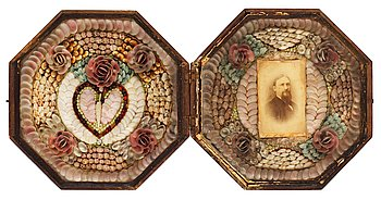 1125. A sailors' shell valentine, West Indies, late 19th century.