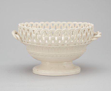 A swedish creamware basket, rörstrand circa 1800.