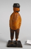 """Skulptur, trä, enligt påskrift under """"är gjord av erik olsson""""."""