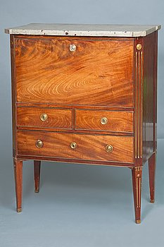 4. A WRITING COMMODE.