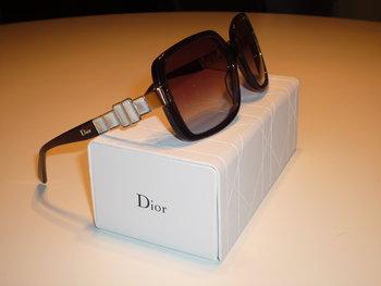 "6. GLASÖGONBÅGE, modell ""Diorzenaid"". Christian Dior. Skänkta av Safilo."