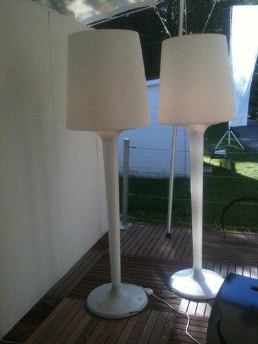En in & out lampa. design enzo catellani. skänkt av station 2000.