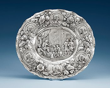 784. A GERMAN SILVER PLATE, Makers mark of David Bessman, Augsburg 1640-1677. The Continence of Scipio.