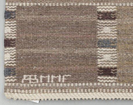 """Carpet. """"falurutan grå"""". rölakan. 267 x 185 cm. signed ab mmf bn (ab märta måås-fjetterström, barbro nilsson)."""