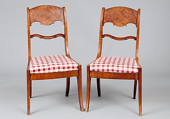 16. A PAIR OF CHAIRS.