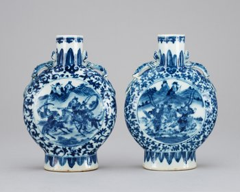 5. Two blue and white moon flasks, late Qing about 1900.