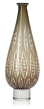 717. A Nils Landberg 'slipgraal' glass vase, Orrefors 1957.