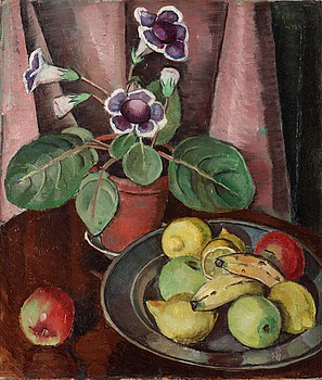 13. Agda Holst, Still life with plant and a fruit plate.